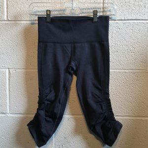 Lululemon blue Ebb & flow crop legging sz 2 60077
